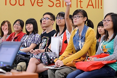 Photo of international students who are first-year undergraduates sponsored on UW–Madison F-1 and J-1 visas listening to a presentation about legal information related to staying in the U.S. during SOAR.